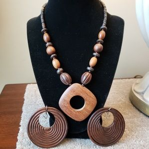 Cute Brown Wood Necklace & Earring Set